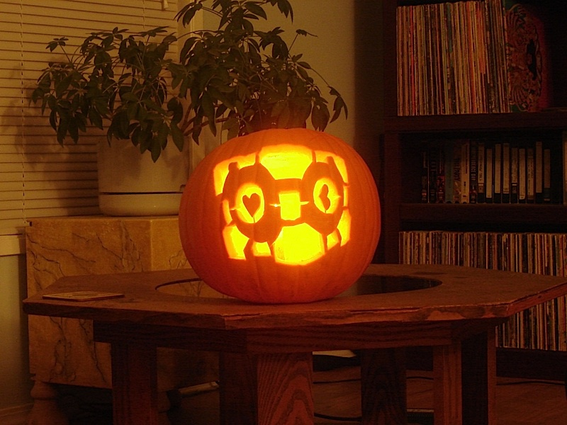 Cory's Knapp's Weighted Companion Cube pumpkin